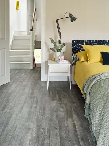 staright amtico flooring